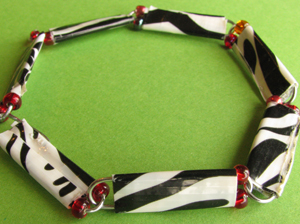 Make A Bracelet From A Paper Clip Chain I Love Paper Beads